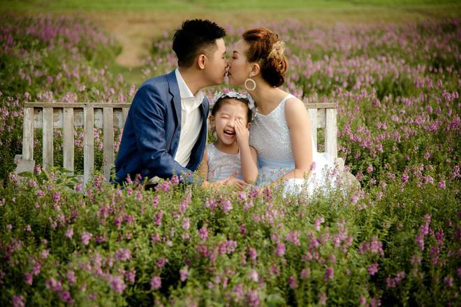 Thanh Huyền thấy may mắn vì có gia đình là điểm tựa.