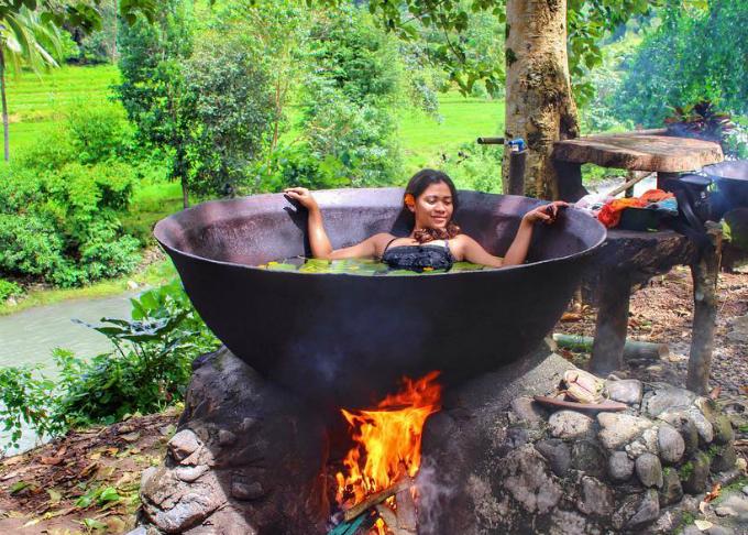 Bí mật của chảo tắm vạc dầu ở Philippines