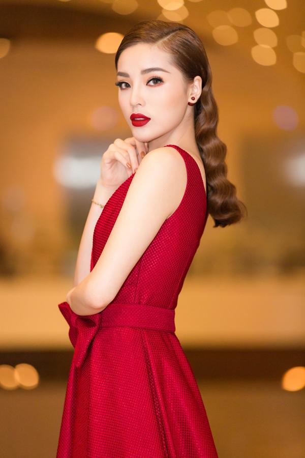 Kỳ Duyên được nhiều người khen ngày càng xinh đẹp, quyến rũ.