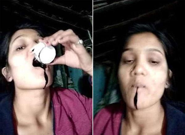 Cốc thuốc độc Nisha uống là một chất lỏng màu đen chưa rõ tên.