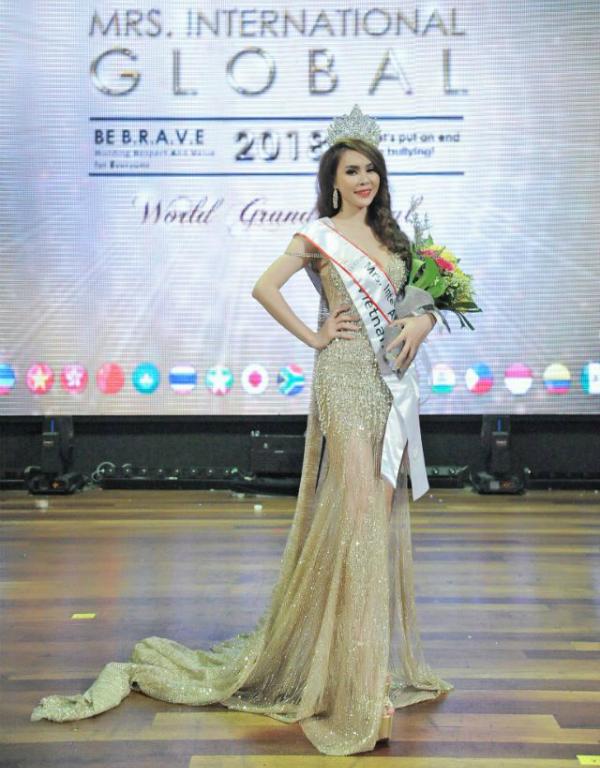 Ngoài ra, danh hiệu Hoa hậu Đại sứ Toàn cầu thế giới (Mrs International Global Ambassador 2018) thuộc về người đẹp Huyền Thương.