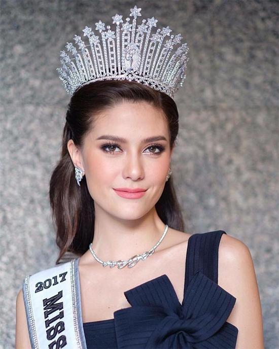 Mỹ nhân Thái Lan, Maria Poonlertlarp, lọt vào danh sách ở vị trí thứ 7. Cô từng đạt thành tích Top 5 Miss Universe 2017.