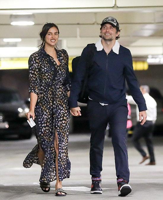 Irina Shayk và Bradley Cooper tình tứ bên nhau vào buổi chiều thứ 2. Cặp sao rất hiếm khi được trông thấy trốn con đi hẹn hò riêng như lần này.