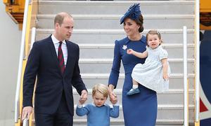 Vợ chồng Hoàng tử William dỗ con bằng ipad