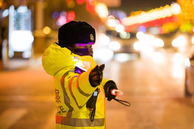 Một ngày làm việc của nữ cảnh sát giao thông ở vùng đất -50 độ C - 2