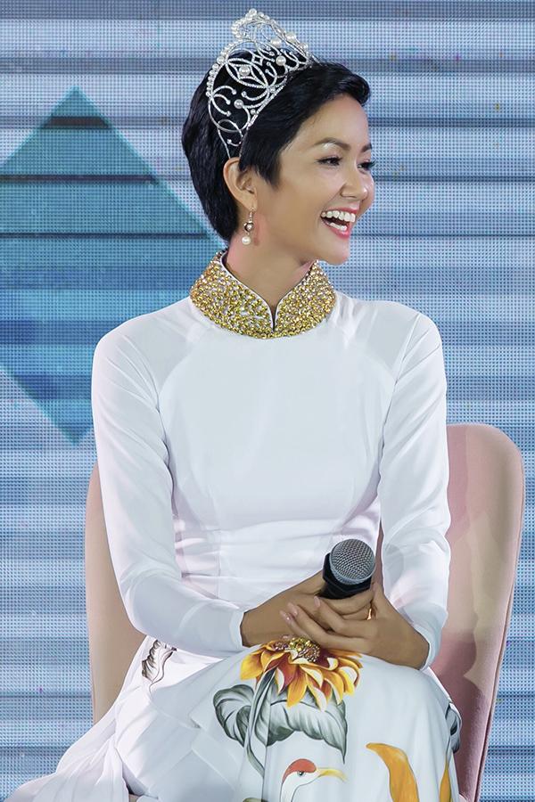 Hoa hậu HHen Niê - 2