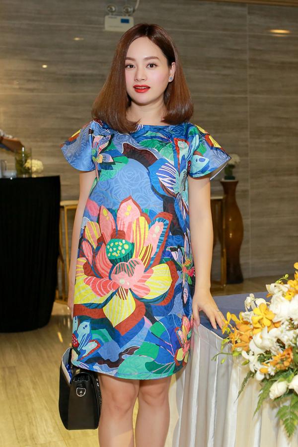 Lan Phương thường xuyên mặc đồ oversized khi đi sự kiện trước khi công bố tin có thai.