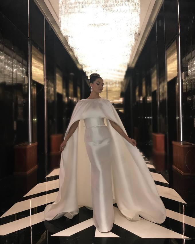 Gu thời trang thanh lịch của Hoa hậu đẹp nhất hành tinh năm 2017