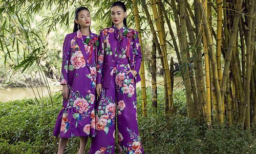 Váy lụa tôn nét nữ tính với họa tiết rực rỡ sắc xuân