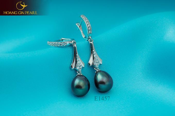Mỗi thiết kế từ Hoàng Gia Pearl đều thể hiện sự chăm chút trong từng họa tiết, đường nét.