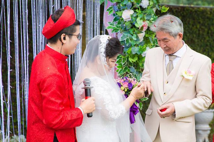 Thanh Hoa tâm sự rằng: Đây là đám cưới mà tôi cứ ngỡ như là giấc mơ. Tôi quá hạnh phúc nên không biết nói gì hơn.