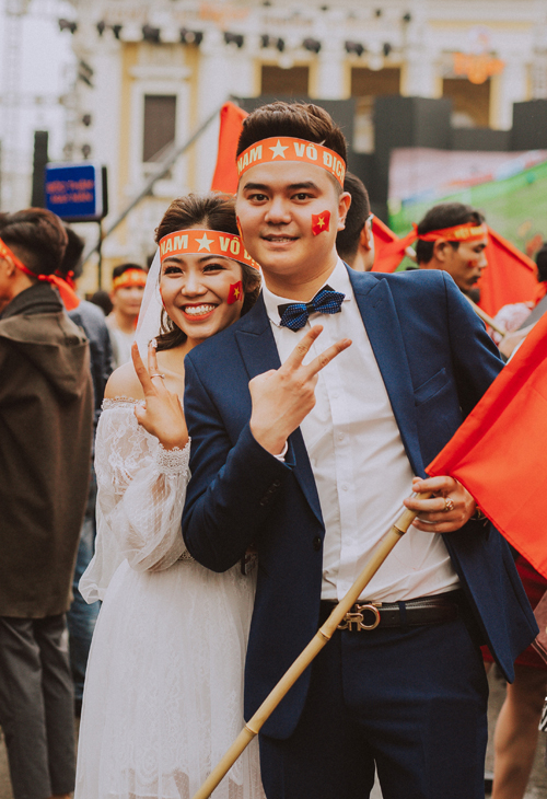 Bộ ảnh cưới chụp trong trận chung kết của U23 Việt Nam - 10