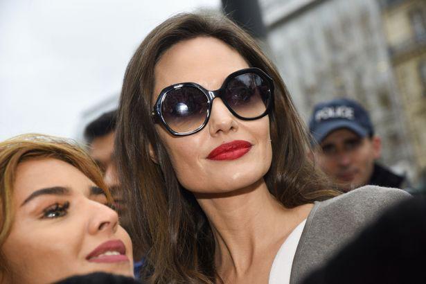 Jolie đã trải qua một ngày thứ ba bận rộn nhưng vẫn tràn đầy năng lượng.