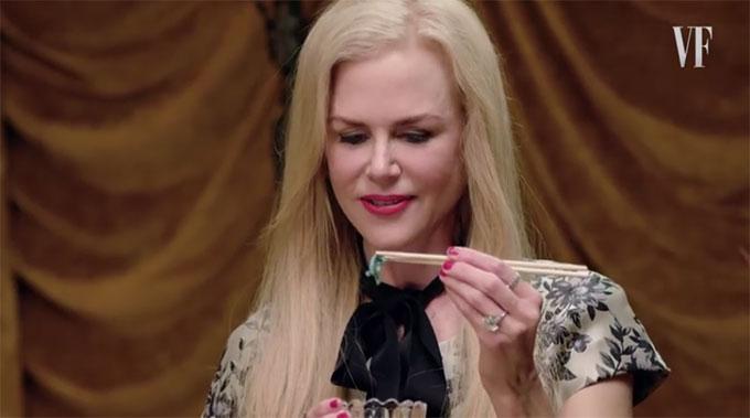Nicole Kidman trổ tài ăn sâu sống và các loại côn trùng