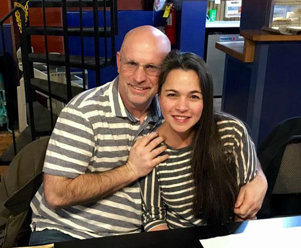 Chris Livesay và Jane DeGrand hội ngộ ở Mỹ.
