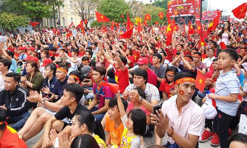 U23 Việt Nam giao lưu với người hâm mộ tại sân Thống Nhất