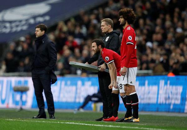Trước đó vào phút 63, Fellani vào sân thay Jese Lingard cùng lúc Juan Mata cũng được tung vào sân khi MU đang bị dẫn 0-2.