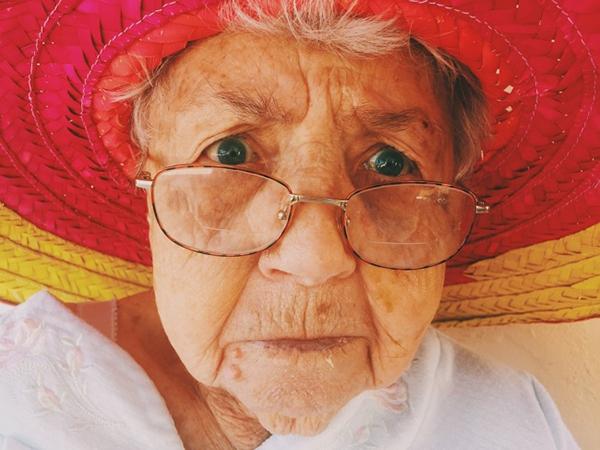 Phụ nữ sống thọ hơn đàn ông Tuổi thọ trung bình của nữ giới cao hơn nam giới 2 - 3 năm.