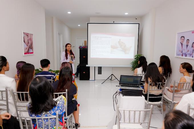 Bác sĩ Biện Loan - Trưởng phòng khám Nitipon giới thiệu các công nghệ của Nitipon.