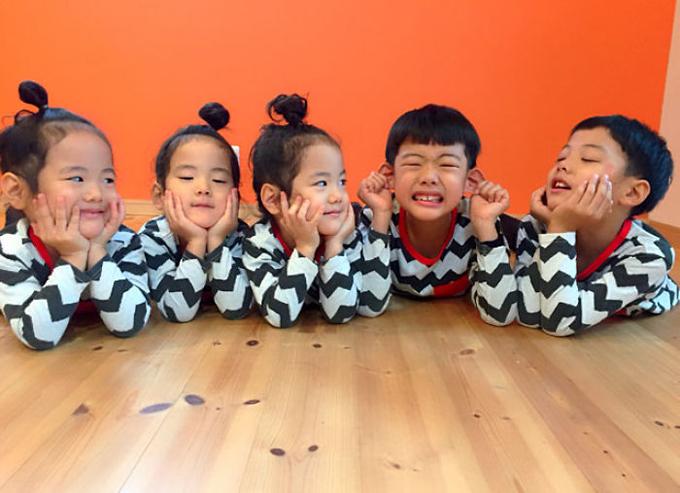 Cuộc sống lộn xộn có tổ chức trong gia đình 5 con ở Nhật - 9