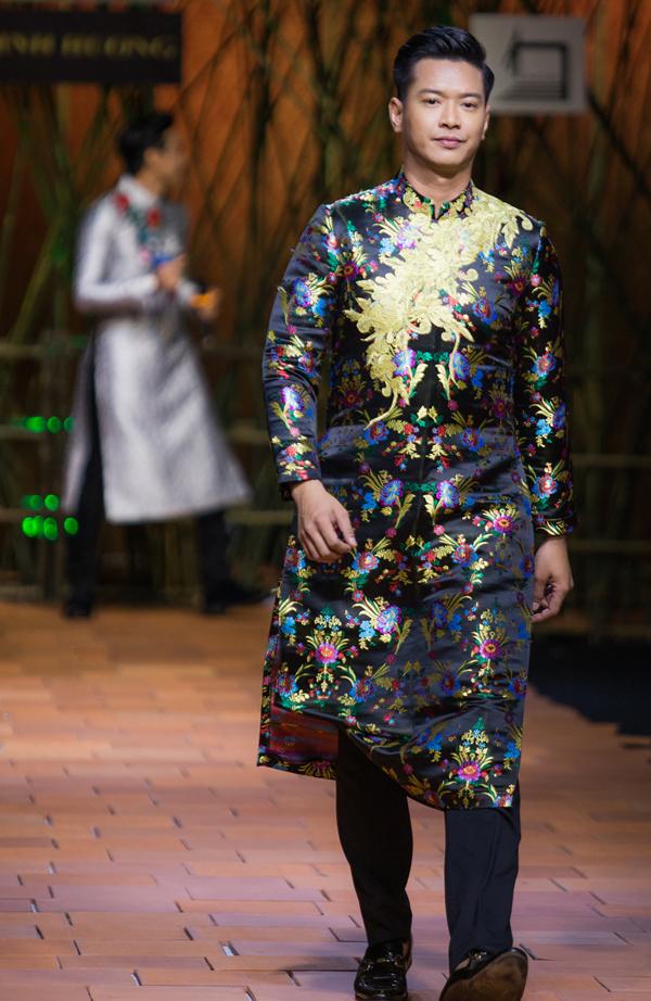 Người mẫu Hồ Đức Vĩnh dày dặn kinh nghiệm trên sàn diễn