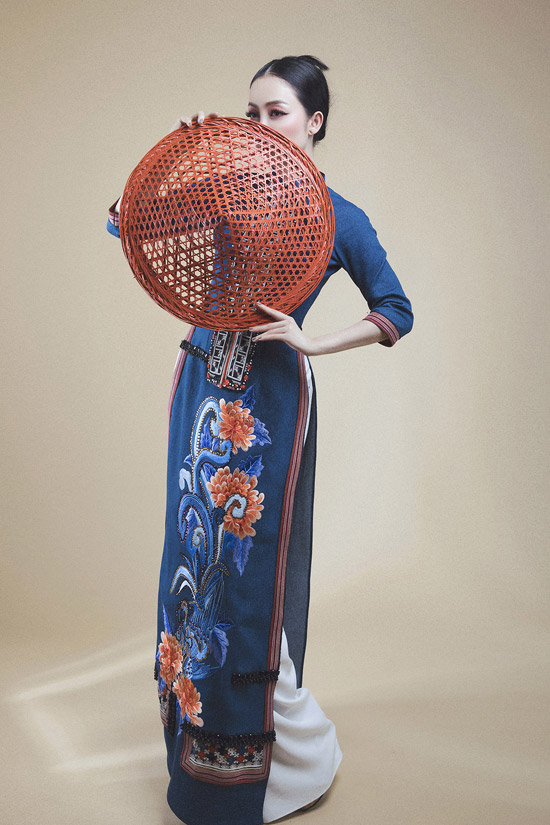 Anh muốn gửi thông điệp về hình ảnh người phụ nữ đầy năng lượng, lôi cuốn thông qua các trang phục.