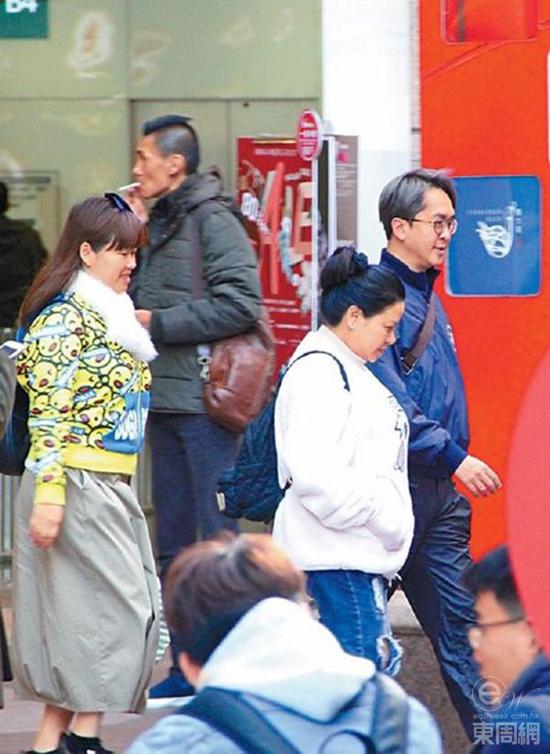Sao Hong Kong đưa cả ba cô bồ đi mua sắm giữa tin đồn bà cả ghen với bà ba - 3