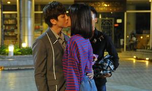 Trương Mỹ Nhân 'khóa môi' hot boy Kent Phạm trên màn ảnh rộng