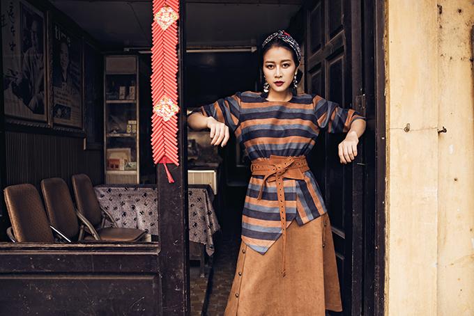 Đón Tết không vội vã là tên bộ ảnh Phí Linh và ê-kípcủa mình vừa thực hiện dưới giá lạnh trời đông Hà Nội.