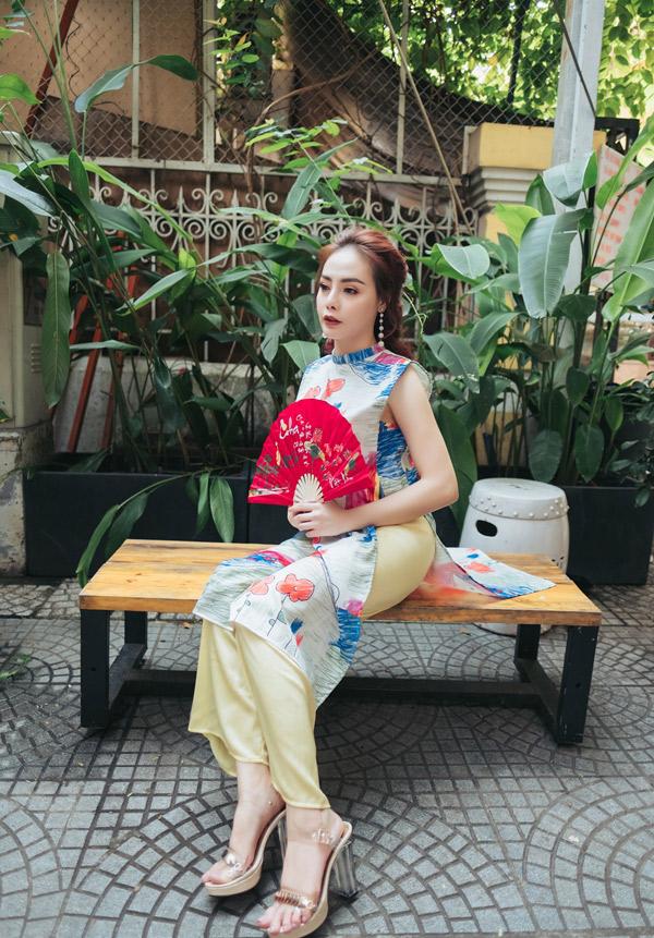 Từ Hạnh Vân hoạt động ở nhiều lĩnh vực từ phim ảnh, ca nhạc đếnthời trang. Năm 2018 cô dự định ra một sản phẩm âm nhạc mới.
