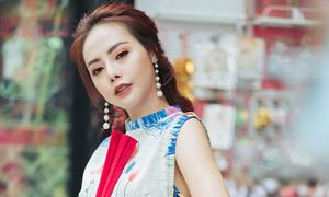 Diễn viên Từ Hạnh Vân diện áo dài cách điệu xuống phố