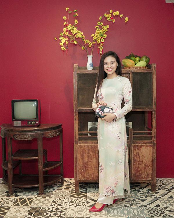 Khánh Thi đang bầu bí, được Phan Hiển và con trai hộ tống đi tiệc - 11