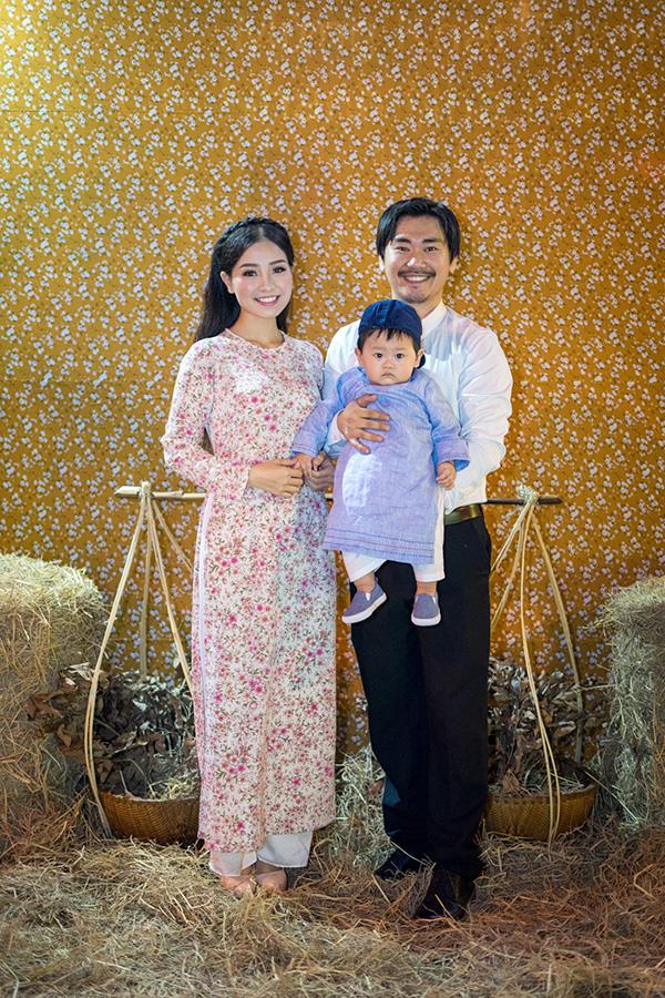 Khánh Thi đang bầu bí, được Phan Hiển và con trai hộ tống đi tiệc - 4
