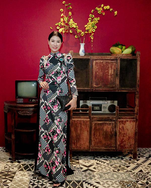 Khánh Thi đang bầu bí, được Phan Hiển và con trai hộ tống đi tiệc - 7