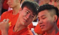 Những khoảnh khắc 'U23' trong buổi giao lưu tại sân Thống Nhất