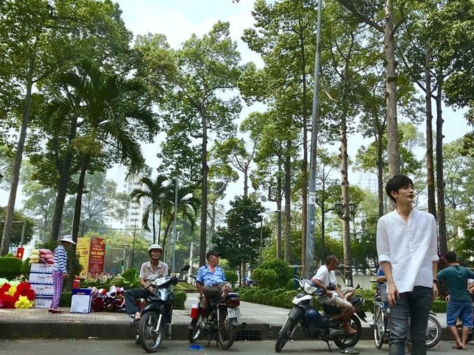 \'Nam thần phim Nhật\' khen phố xá Sài Gòn đẹp khi đi du lịch
