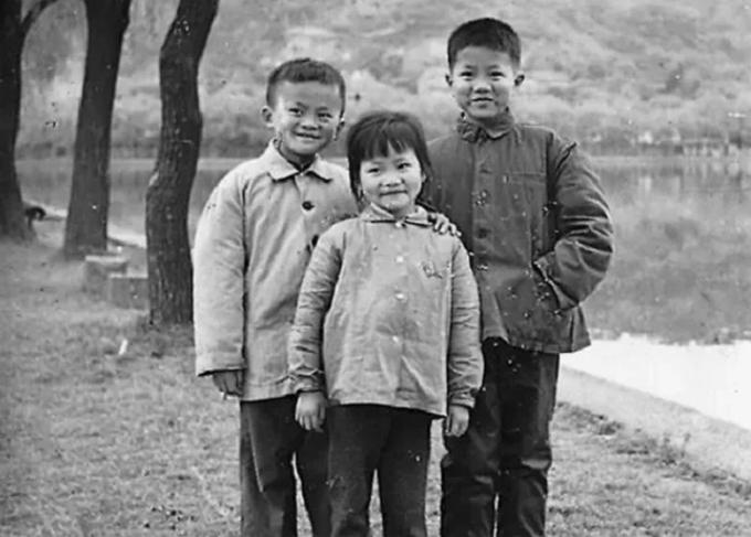 Xuất phát điểm không thuận lợi, Jack Ma đã đi từng bước lên bậc của thành công.
