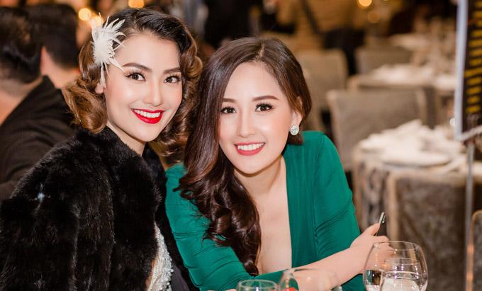 Hiện tại, Hoa hậu vẫn sống chủ yếu ở Hà Nội để gần gũi với mẹ, em gái.