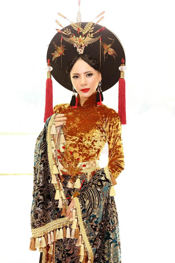 Á hậu Ngọc Quỳnh diện áo dài cầu kỳ dự sự kiện tại TP HCM - 3