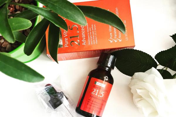 OST Pure Vitamin C 21.5 Advanced SerumHãng mỹ phẩm Hàn Quốc OST giới thiệu sản phẩm serum chứa hàm lượng vitamin C cao vượt trội, giúp làm mờ vết thâm, làm trắng da hiệu quả. Sản phẩm còn chứa nhiều thành phần dưỡng ẩm, giúp da mềm và căng mịn.Giá tham khảo: 350.000 đồng