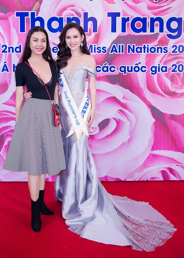 Người mẫu quê Hải Phòng cho biết cô sẽ rút kinh nghiệm khi nhận các show diễn sau. Dù bị nhiều người chỉ trích nhưng Lại Thanh Hương cũng nhận được sự cảm thông của Thanh Trang và các đồng nghiệp khác.