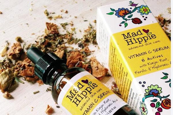 Mad Hippie Vitamin C Serum Serum làm trắng da của Mad Hippie được đánh giá là lành tính, mang đến hiệu quả chậm song an toàn khi sử dụng lâu dài. Serum này có thể sử dụng cho cả da nhạy cảm. Giá tham khảo: 650.000 đồng.