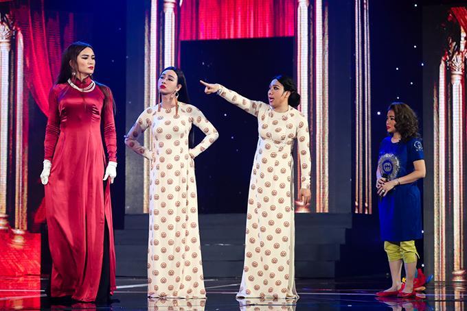 Trấn Thành cùng những người bạn thân BB Trần, Hải Triều, Lê Giang góp mặt trong tiểu phẩm Gánh hát đầu xuân do chính anh là tác giả.