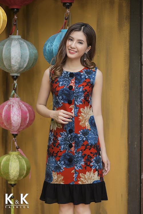 Đầm liền công sở với sắc màunổi bật KK72-18 giá 420.000 đồng.