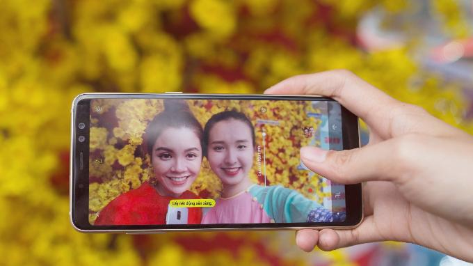 Chụp ảnh selfie xoá phông nền chuyên nghiệp với chế độ Live focus (lấy nét động).