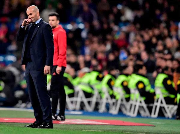 Thất bại ở cả La Liga và Cup nhà Vua, Champions League là đấu trường duy nhất cứu vãn ghế của Zidane