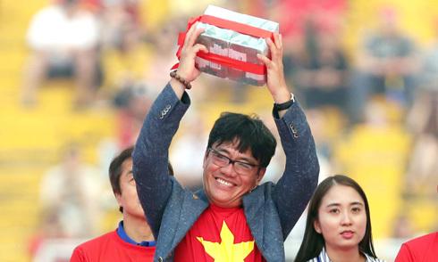 Trưởng đoàn U23 VN bác tin được chia thưởng cao gấp 5 lần HLV Park Hang-seo