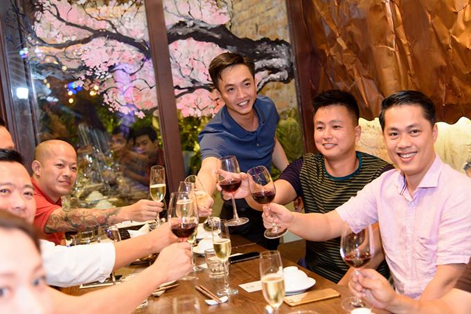 Cường Đô La dự khai trương nhà hàng của Đàm Thu Trang giữa tin tình cảm trục trặc - 1
