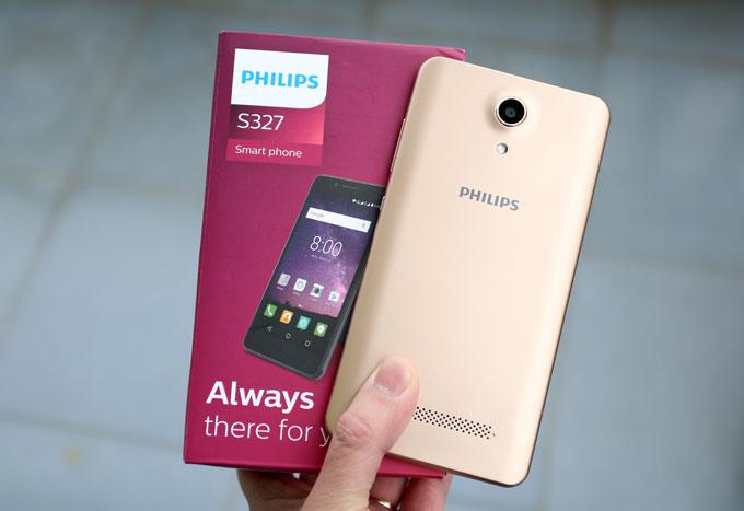 S327 là smartphone ở phân khúc phổ thông có giá 2,59 triệu đồng. Sản phẩm của Philips có điểm mạnh về màn hình cỡ lớn 5,5 inch và pin dung lượng lớn.