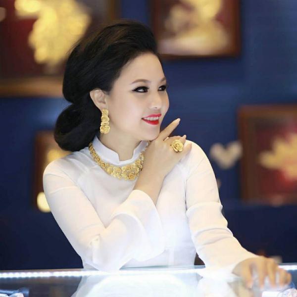 Prima Gold tôn vinh vẻ đẹp của người phụ nữ.